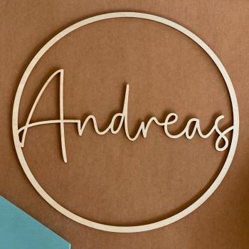 Personalisierter Ring aus Holz mit deinem Wunschnamen personalisiert - filigran